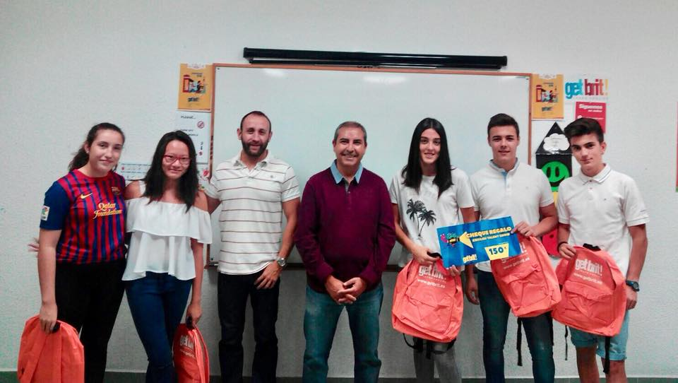"Entrega de premios del concurso ""English Talent Show"""